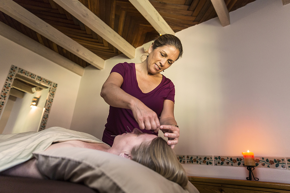 Acupuncture with Regina Aguilera