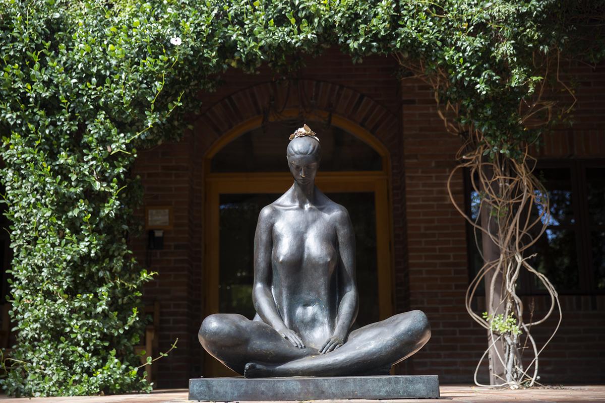 Famed Sculptor Victor Hugo Castañeda Visits Rancho La Puerta