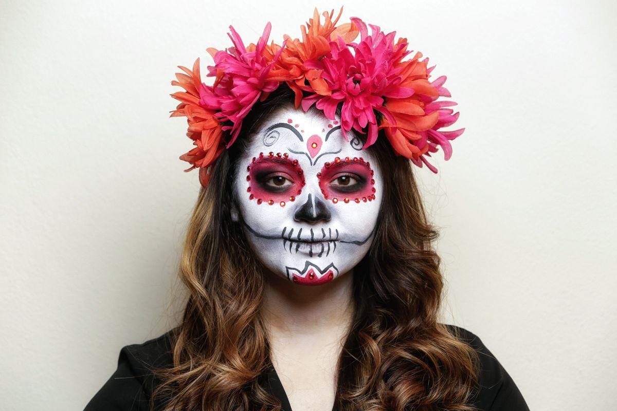 Apply Catrina Makeup Day Dead Tutorial