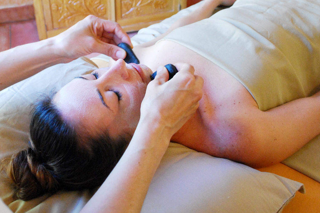 Hydrating Warm Stone Deep-Moisture Facial